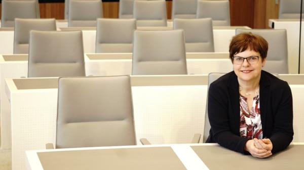 Silke Lesemann im Plenarsaal